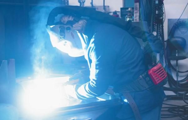 https://adsknews.autodesk.com/app/uploads/2018/12/welding.png